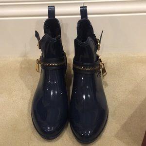 Shoes - Blue rain boots. Size 7.